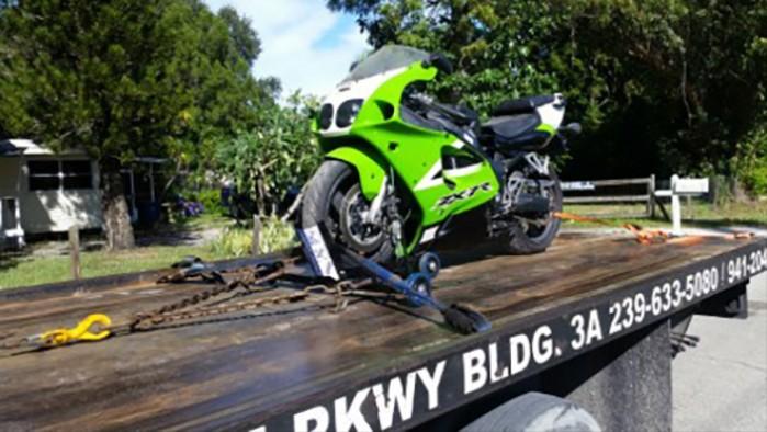 motocykl na lawecie