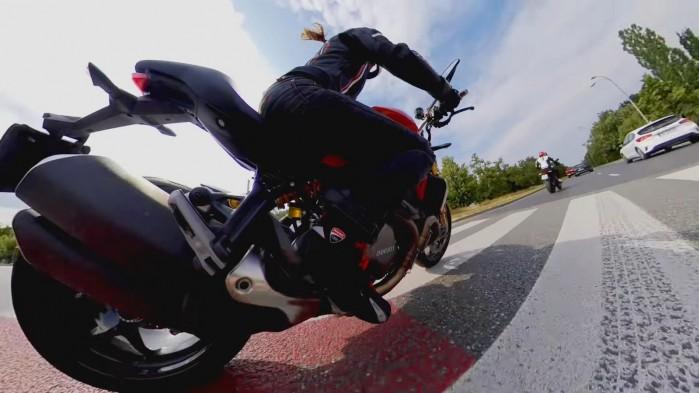 Ducati Monster 797 vs Monster 1200 2