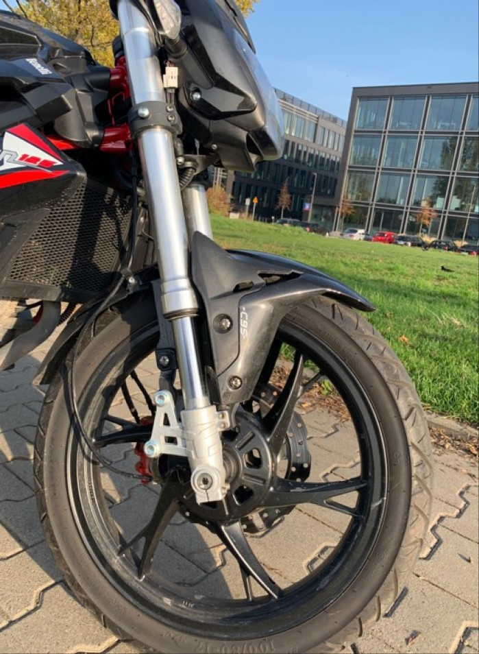 benelli bn125 front