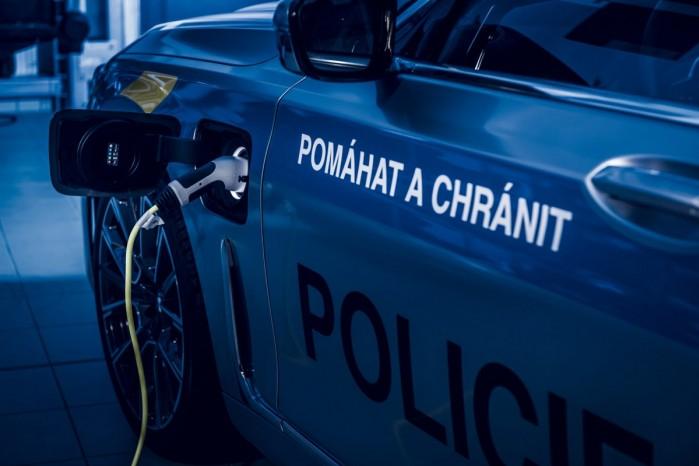 policyjne BMW 745 Le xDrive