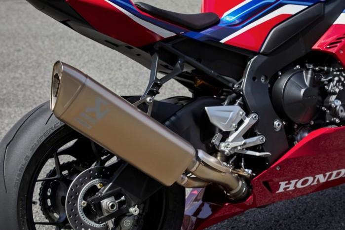 2020 Honda CBR1000RR R akrapovi