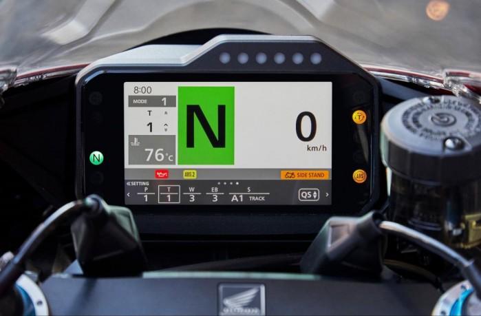 2020 Honda CBR1000RR R kokpit3