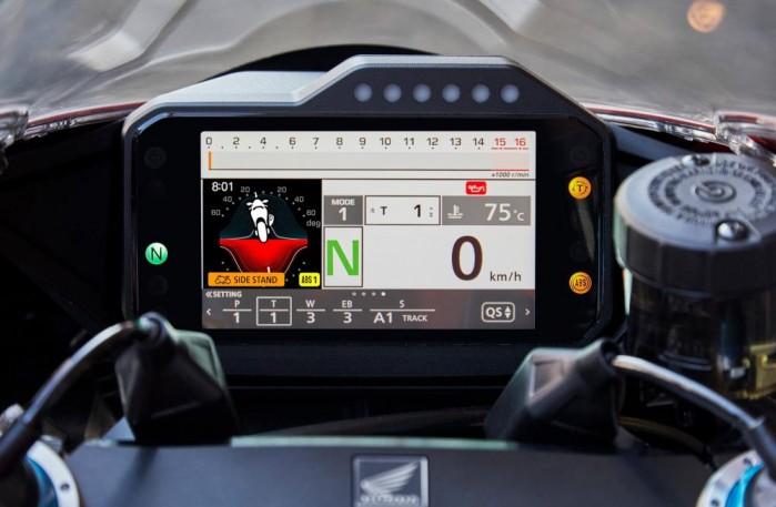 2020 Honda CBR1000RR R kokpit 5