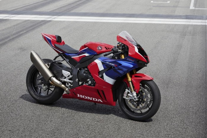 2020 Honda CBR1000RR R prawy bok tor