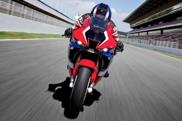 2020 Honda CBR1000RR R przod tor