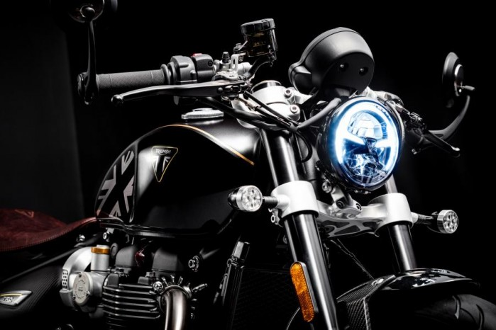 Bobber TFC LED headlight and indicators