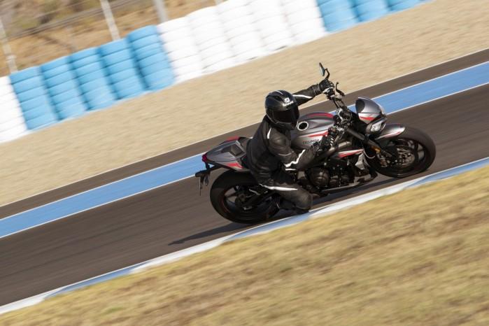 Triumph Street Triple RS 2020 dynamika