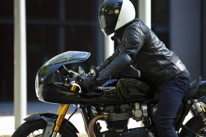 110419 2020 Triumph Thurxton RS Thruxton RS Acc. lifestyle 3