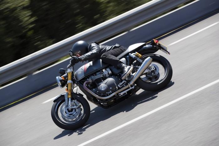 110419 2020 Triumph Thurxton RS Thruxton RS Lifestyle 9