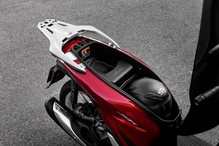 Honda SH125i 2020 schowek