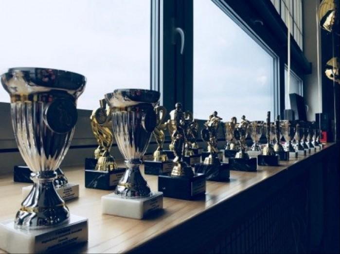 Fabryka Mistrzow trofea