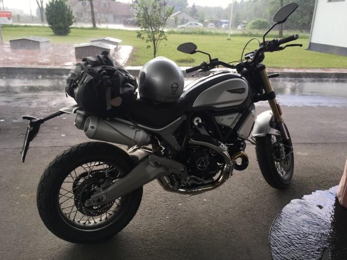 Ducati deszcz