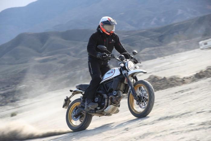 Test Ducati Desert Sled Tabernas powerslide z