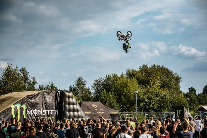 Marcin Lukaszczyk Backflip Heelclicker Cieszanow Rock Festiwal Monster