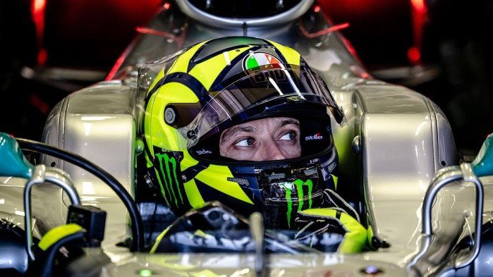 Lewis Hamilton Valentino Rossi Fahrzeugtausch 2019 169FullWidth 951931a1 1655913
