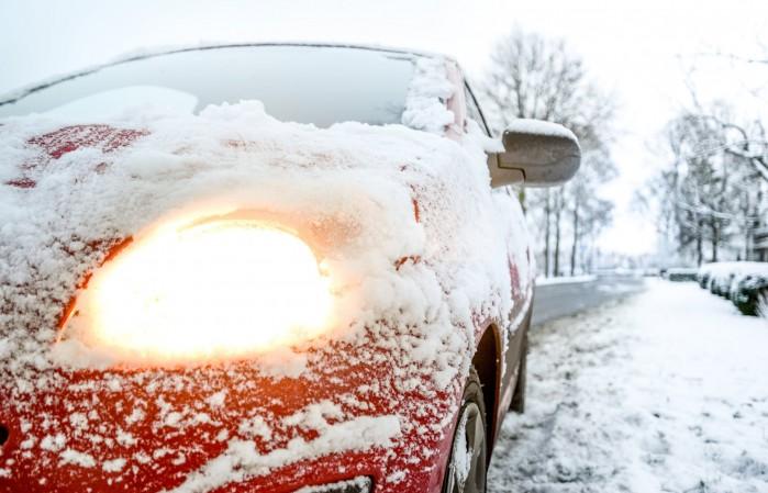 car light snow weather 730901