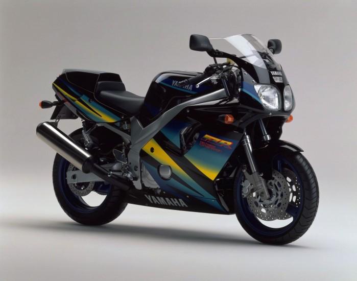 Yamaha FZR600R 6