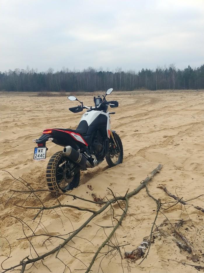 Yamaha Tenere 700 2020 piach prawy ty