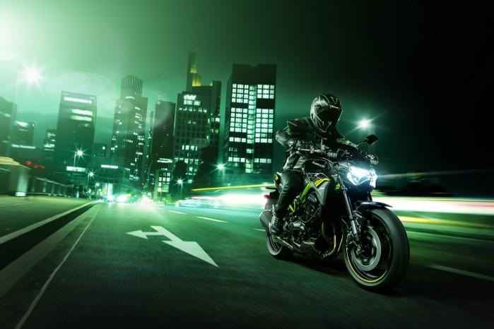 Kawasaki Z900MY2020 01 action city1