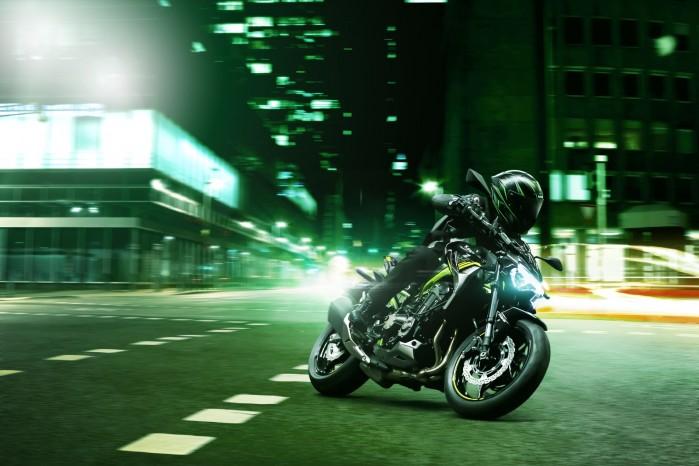 Kawasaki Z900MY2020 01 action city2