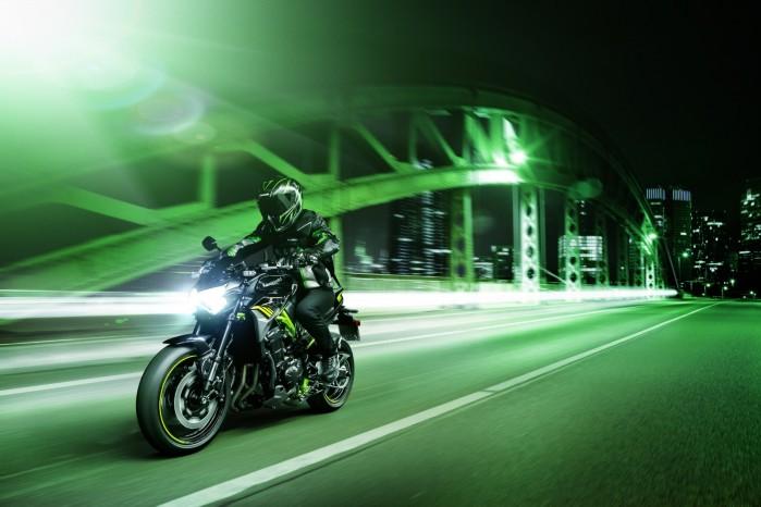 Kawasaki Z900MY2020 01 action city3