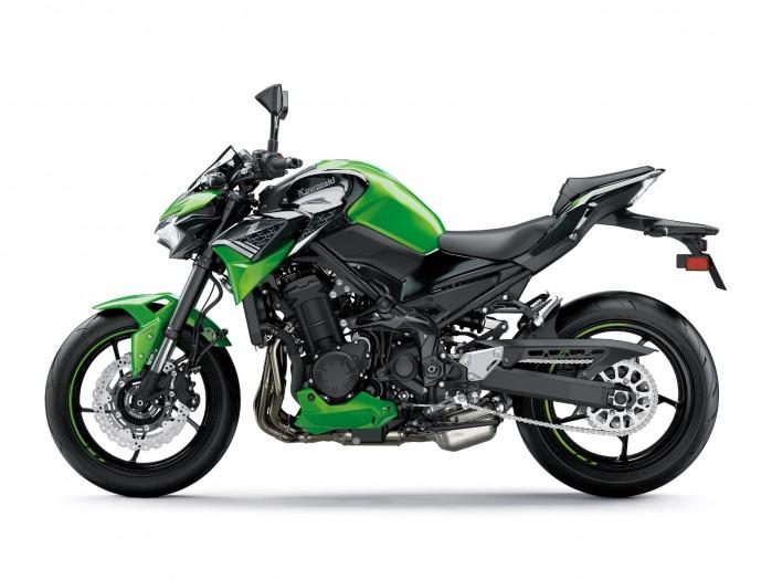 Kawasaki Z900MY2020 02 static green1