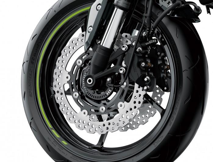 Kawasaki Z900MY2020 03 detail front wheel