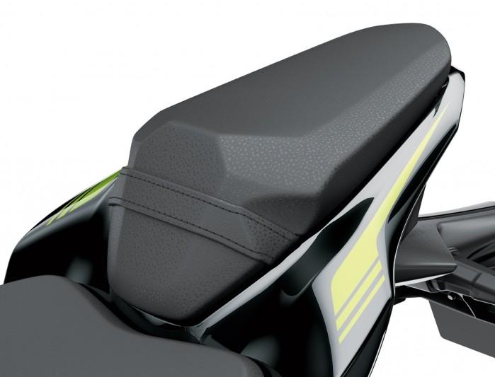 Kawasaki Z900MY2020 03 detail seat