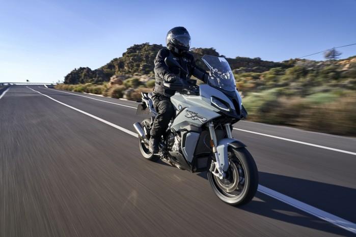 BMW S1000XR 2020 prosta prawy przod