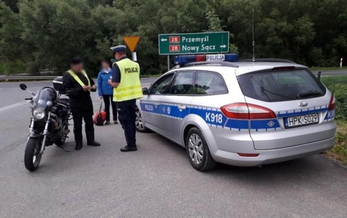 policyjny samochod mondeo ford