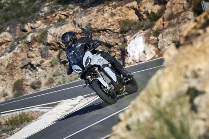 BMW S1000XR 2020 skaly lewy przod