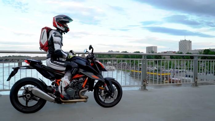 KTM 1290 Super Duke R 2020 Barry