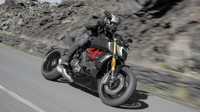 Ducati Diavel 1260 S dynamika