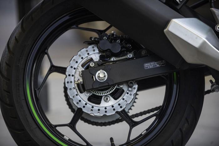 ninja 125 tylne kolo