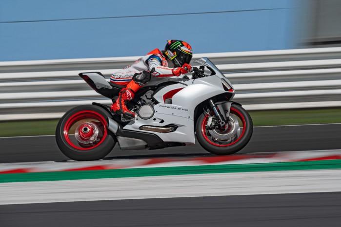 Ducati PanigaleV2 WhiteRosso 05