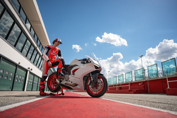 Ducati PanigaleV2 WhiteRosso 06