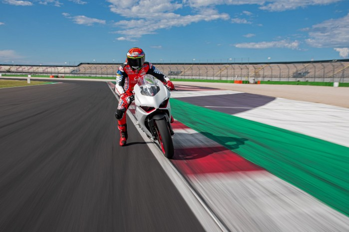 Ducati PanigaleV2 WhiteRosso 09