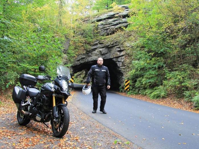 skalny tunel piechowice