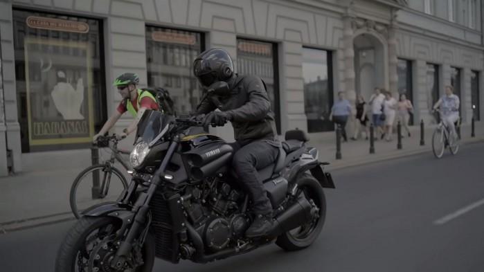 Yamaha V Max 1700 Barry akcja