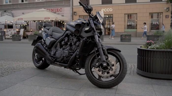 Yamaha V Max 1700 przod