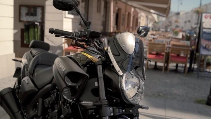 Yamaha V Max 1700 reflektor