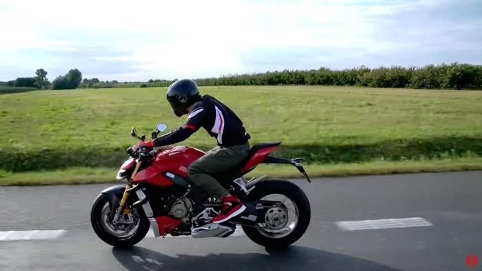 Ducati Streetfighter V4S 2020 akcja