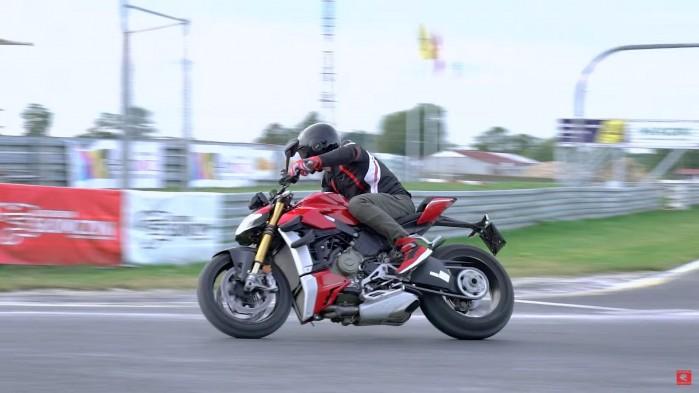 Ducati Streetfighter V4S na torze