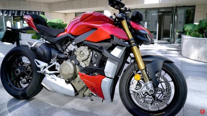 Ducati Streetfighter V4S statyka