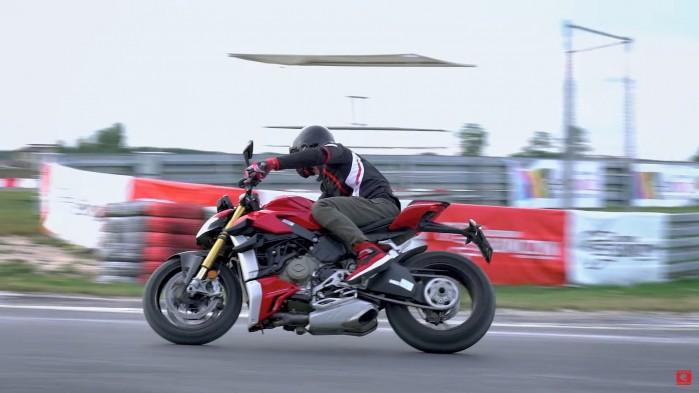 Ducati Streetfighter V4S tor