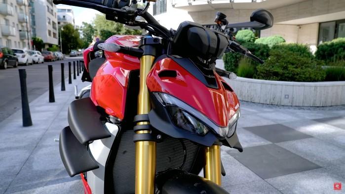 Ducati Streetfighter V4S z bliska