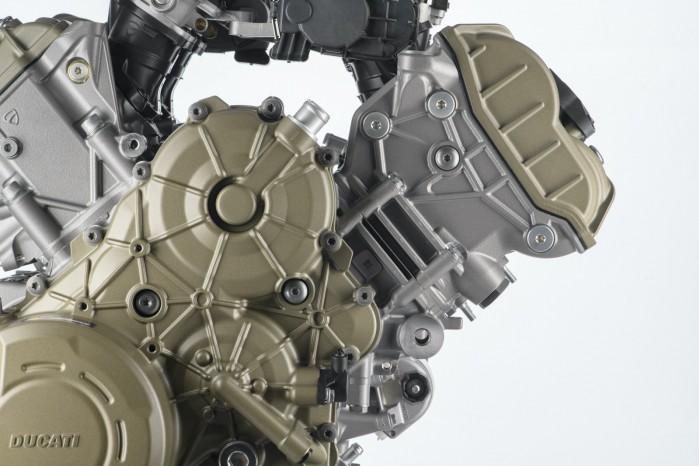Multistrada V4 silnik granturismo 1