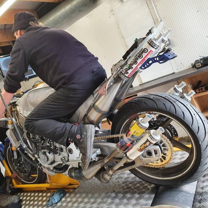 silnik dwusuwowy V6 1200cmm Stan Stephen hamownia