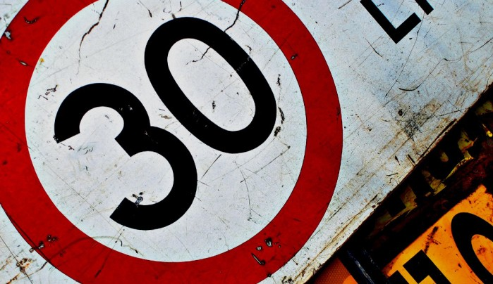 znak ograniczenie 30kmh