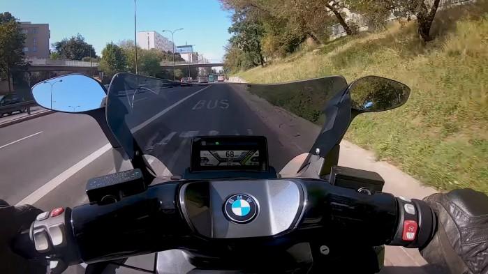 BMW C Evolution za sterami
